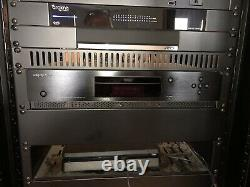 OPPO UDP-203 4k Blu-ray Player, Showroom Special with free rack mount kit